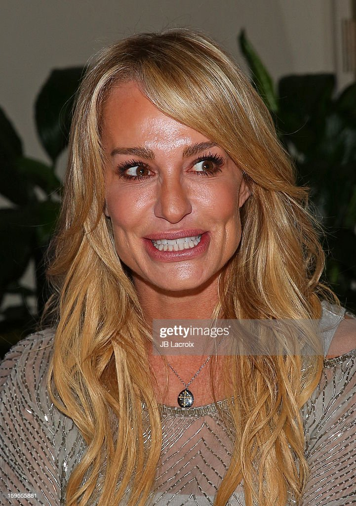 <a gi-track='captionPersonalityLinkClicked' href=/galleries/search?phrase=Taylor+Armstrong&family=editorial&specificpeople=6903739 ng-click='$event.stopPropagation()'>Taylor Armstrong</a> attends the KIIS FM And Oranum Psychics Girls Night Out at SUR Lounge on January 15, 2013 in Los Angeles, California.