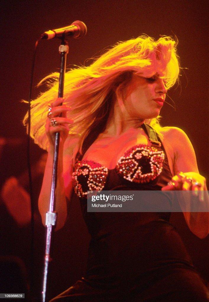 Taylor Dayne performing at Princes Trust concert 1990
