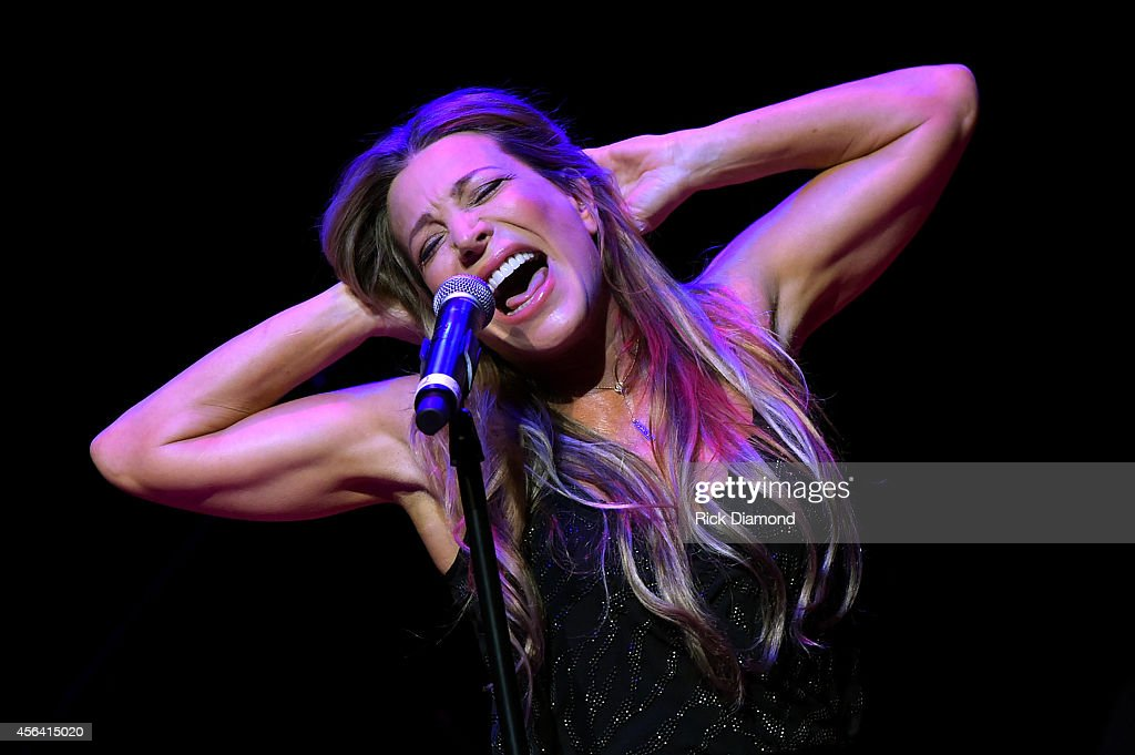 Taylor Dayne performs onstage at the Paradise Artists Party during Day 4 of the IEBA 2014 Conference on September 30 2014 in Nashville Tennessee