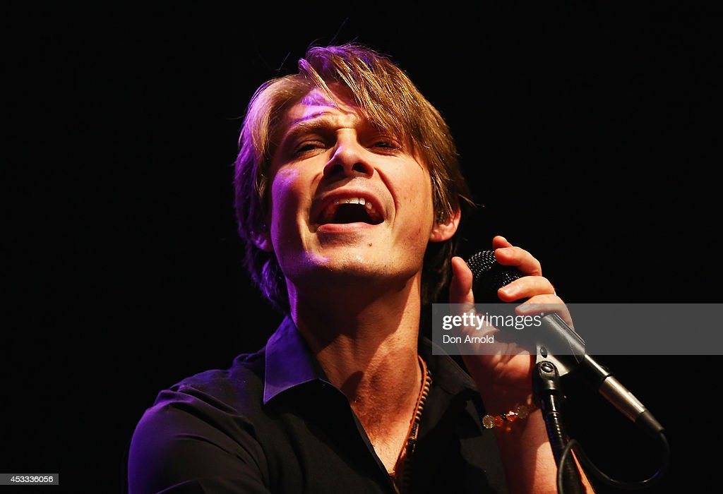 Taylor hanson of pop rock trio hanson performs live for fans as part