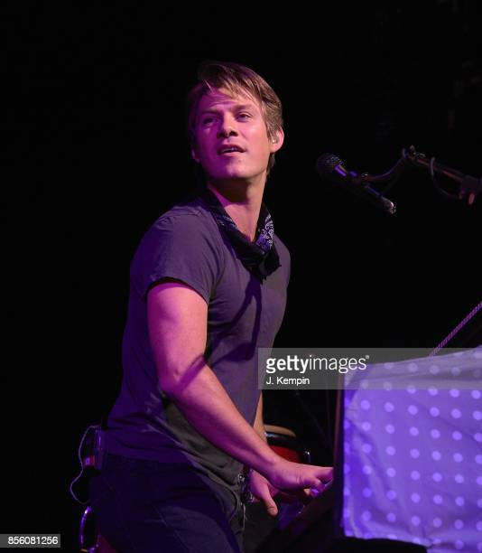 Taylor Hanson of the band Hanson performs at PlayStation Theater on September 30 2017 in New York City