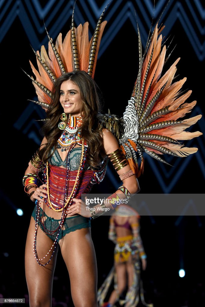 Taylor Hill walks the runway during the 2017 Victoria's Secret Fashion Show In Shanghai at Mercedes-Benz Arena on November 20, 2017 in Shanghai, China.