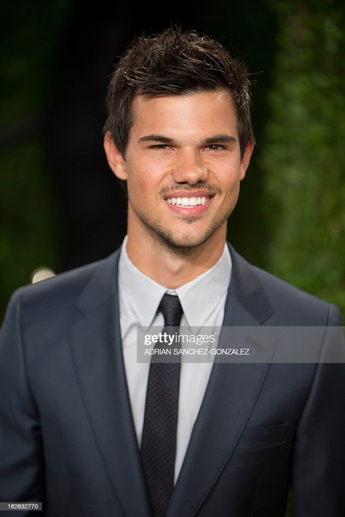 Taylor Lautner arrives for the 2013 Vanity Fair Oscar Party on February 24, 2013 in Hollywood, California. AFP PHOTO / ADRIAN SANCHEZ-GONZALEZ