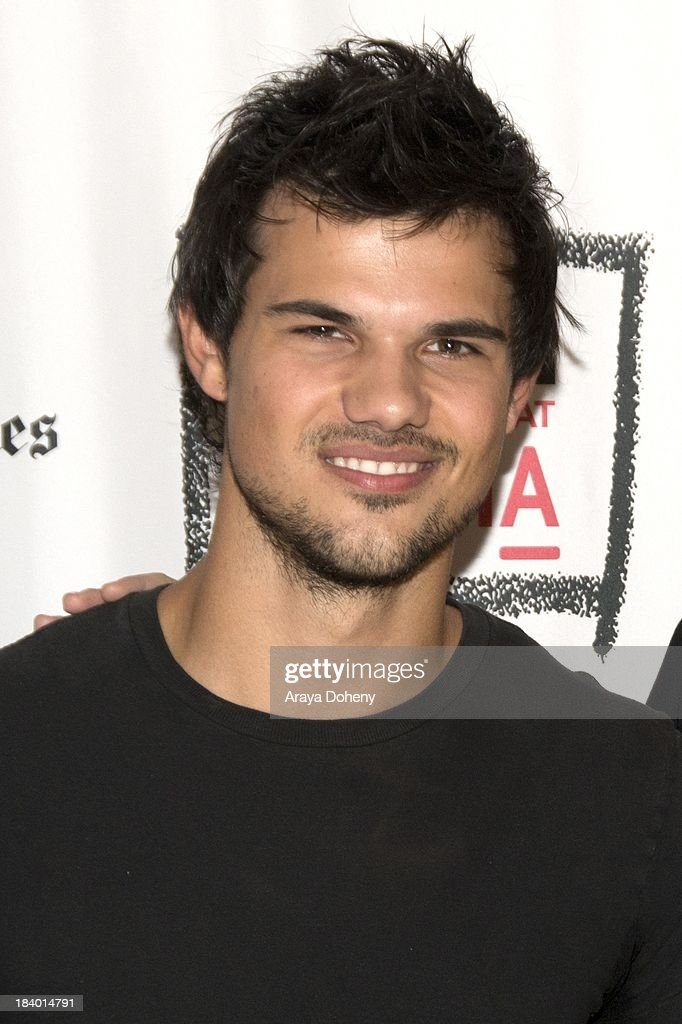 <a gi-track='captionPersonalityLinkClicked' href=/galleries/search?phrase=Taylor+Lautner&family=editorial&specificpeople=228959 ng-click='$event.stopPropagation()'>Taylor Lautner</a> at the Film Independent at LACMA - 'Boogie Nights' live read directed by Jason Reitman at Bing Theatre At LACMA on October 10, 2013 in Los Angeles, California.