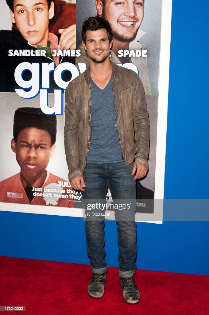 <a gi-track='captionPersonalityLinkClicked' href=/galleries/search?phrase=Taylor+Lautner&family=editorial&specificpeople=228959 ng-click='$event.stopPropagation()'>Taylor Lautner</a> attends the 'Grown Ups 2' New York Premiere at AMC Lincoln Square Theater on July 10, 2013 in New York City.