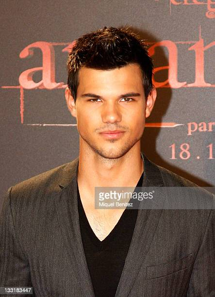 Taylor Lautner attends 'The Twilight Saga Breaking Dawn Part 1' movie premiere on November 17 2011 in Barcelona Spain