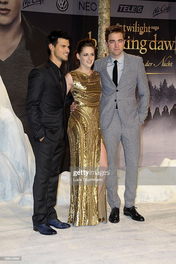 Taylor Lautner, Kristen Stewart and Robert Pattinson attend the 'Twilight Saga: Breaking Dawn Part 2' Germany Premiere at CineStar on November 16, 2012 in Berlin, Germany.