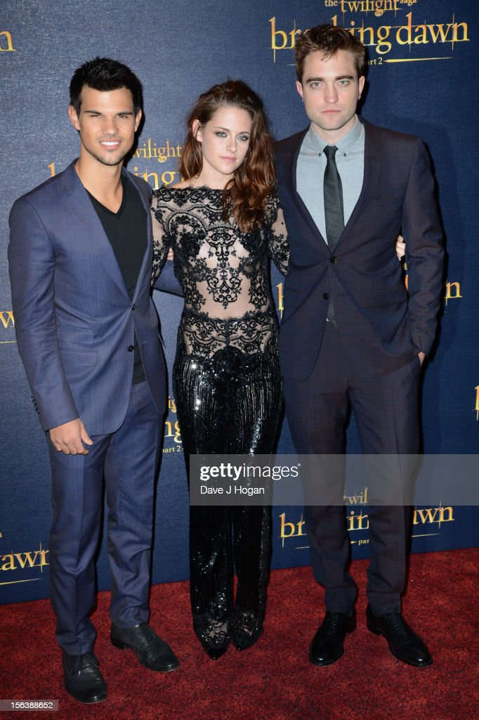 <a gi-track='captionPersonalityLinkClicked' href=/galleries/search?phrase=Taylor+Lautner&family=editorial&specificpeople=228959 ng-click='$event.stopPropagation()'>Taylor Lautner</a>, <a gi-track='captionPersonalityLinkClicked' href=/galleries/search?phrase=Kristen+Stewart&family=editorial&specificpeople=2166264 ng-click='$event.stopPropagation()'>Kristen Stewart</a> and <a gi-track='captionPersonalityLinkClicked' href=/galleries/search?phrase=Robert+Pattinson&family=editorial&specificpeople=734445 ng-click='$event.stopPropagation()'>Robert Pattinson</a> attend the UK Premiere of 'The Twilight Saga: Breaking Dawn - Part 2' at Odeon Leicester Square on November 14, 2012 in London, England.