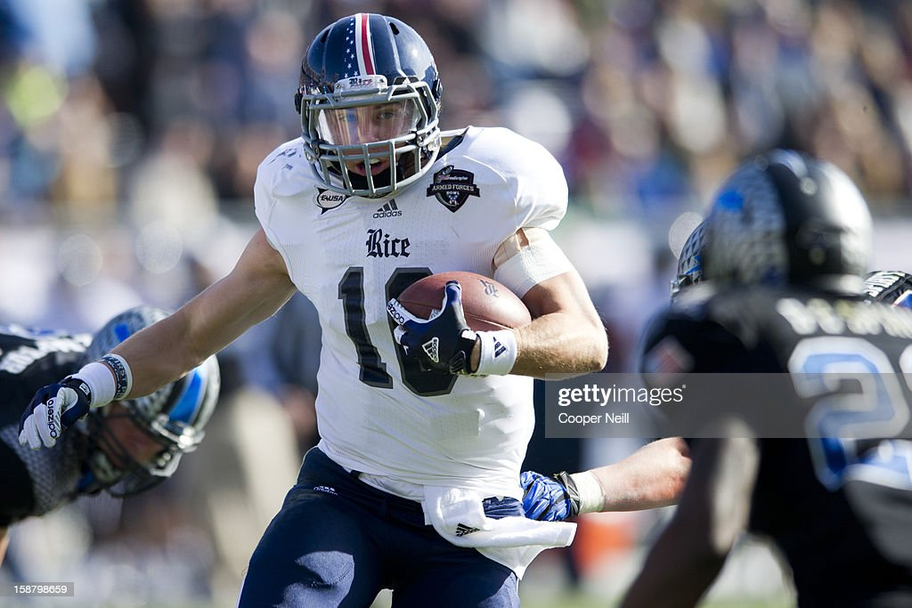 Taylor McHargue #16 of the Rice Owls breaks free against the Air Force Falcons during the Bell Helicopter Armed Forces Bowl on December 29, 2012 at Amon G. Carter Stadium in Fort Worth, Texas.