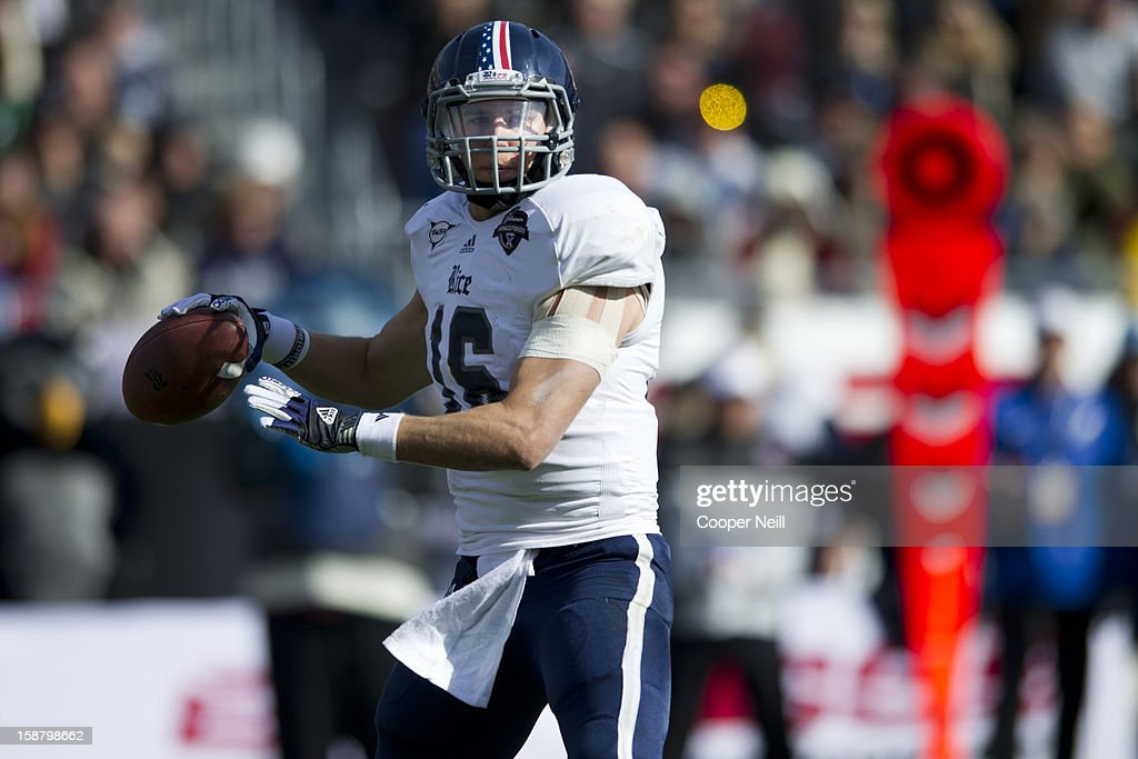 Taylor McHargue #16 of the Rice Owls throws a pass against the Air Force Falcons during the Bell Helicopter Armed Forces Bowl on December 29, 2012 at Amon G. Carter Stadium in Fort Worth, Texas.