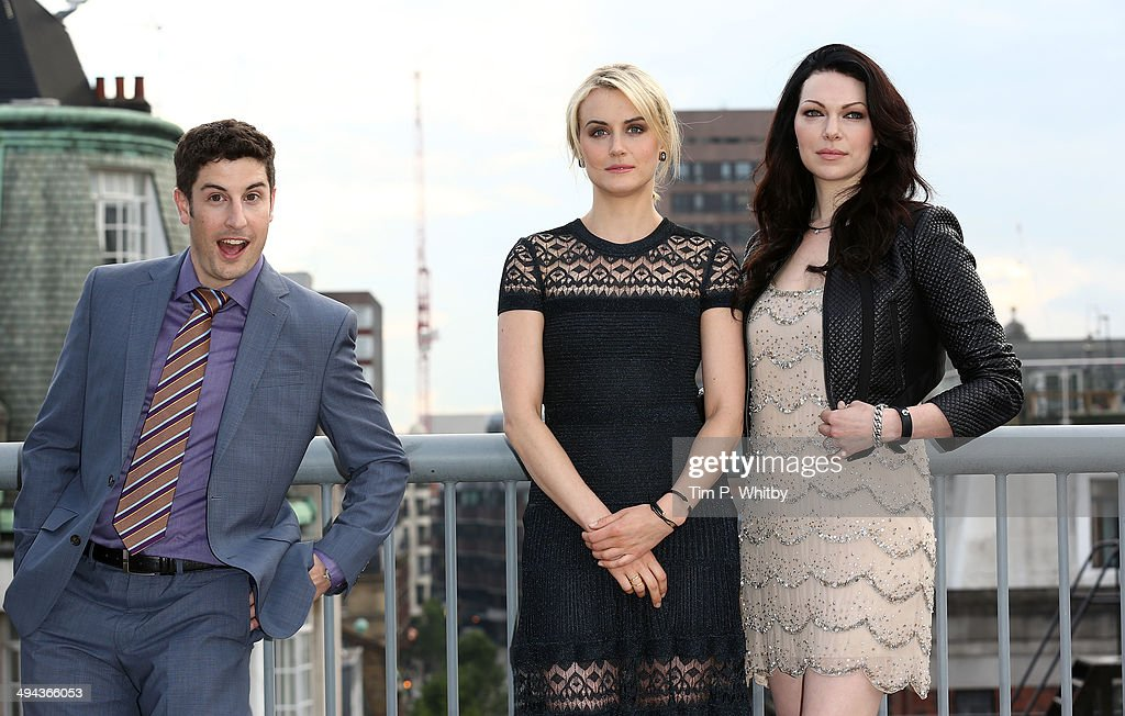 <a gi-track='captionPersonalityLinkClicked' href=/galleries/search?phrase=Taylor+Schilling&family=editorial&specificpeople=5852086 ng-click='$event.stopPropagation()'>Taylor Schilling</a>, <a gi-track='captionPersonalityLinkClicked' href=/galleries/search?phrase=Jason+Biggs+-+Actor&family=editorial&specificpeople=210701 ng-click='$event.stopPropagation()'>Jason Biggs</a> and <a gi-track='captionPersonalityLinkClicked' href=/galleries/search?phrase=Laura+Prepon&family=editorial&specificpeople=211299 ng-click='$event.stopPropagation()'>Laura Prepon</a> attend a photocall to launch season 2 of Netflix exclusive series 'Orange Is The New Black' on May 29, 2014 in London, England.