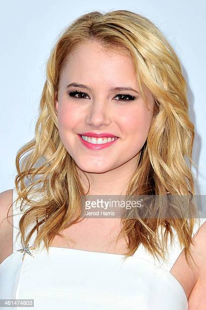 Taylor Spreitler arrives at the 40th Annual People's Choice Awards at Nokia Theatre LA Live on January 8 2014 in Los Angeles California