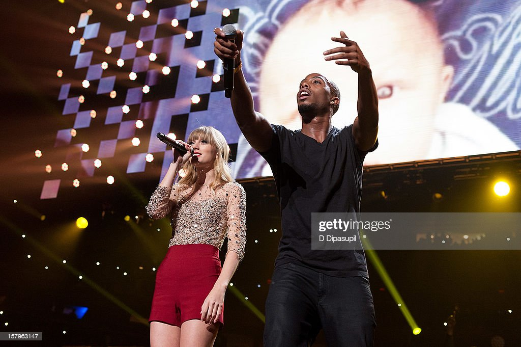 Taylor Swift (L) and B.o.B perform during Z100's Jingle Ball 2012 presented by Aeropostale at Madison Square Garden on December 7, 2012 in New York City.