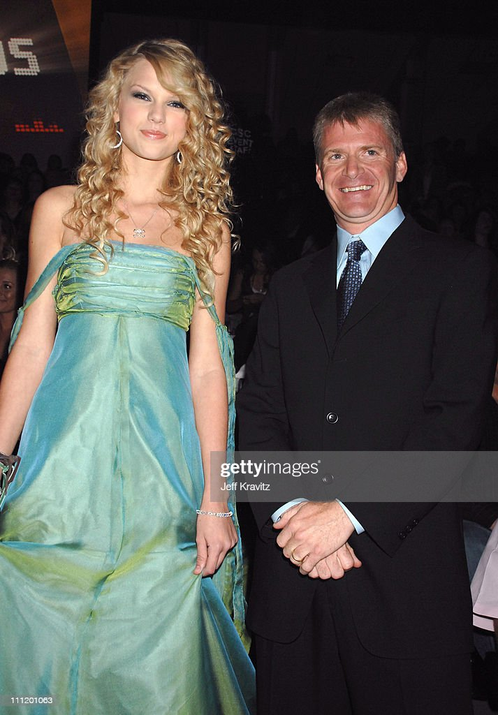 <a gi-track='captionPersonalityLinkClicked' href=/galleries/search?phrase=Taylor+Swift&family=editorial&specificpeople=619504 ng-click='$event.stopPropagation()'>Taylor Swift</a> and <a gi-track='captionPersonalityLinkClicked' href=/galleries/search?phrase=Jeff+Burton&family=editorial&specificpeople=216559 ng-click='$event.stopPropagation()'>Jeff Burton</a> during 2007 CMT Music Awards - Backstage and Audience at The Curb Event Center at Belmont University in Nashville, Tennessee, United States.