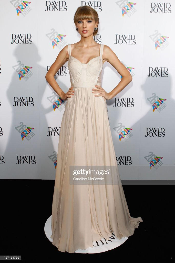 <a gi-track='captionPersonalityLinkClicked' href=/galleries/search?phrase=Taylor+Swift&family=editorial&specificpeople=619504 ng-click='$event.stopPropagation()'>Taylor Swift</a> arrives at the 26th Annual ARIA Awards 2012 at the Sydney Entertainment Centre on November 29, 2012 in Sydney, Australia.