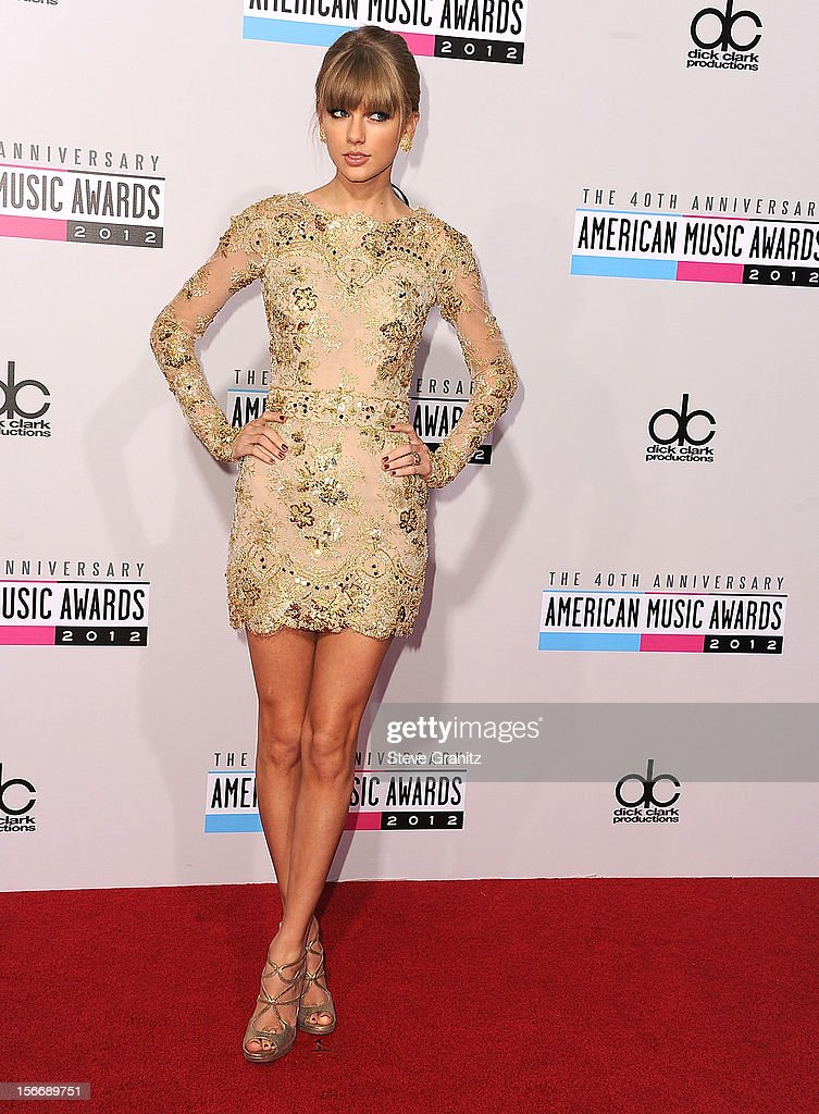 Taylor Swift arrives at the 40th Anniversary American Music Awards at Nokia Theatre L.A. Live on November 18, 2012 in Los Angeles, California.
