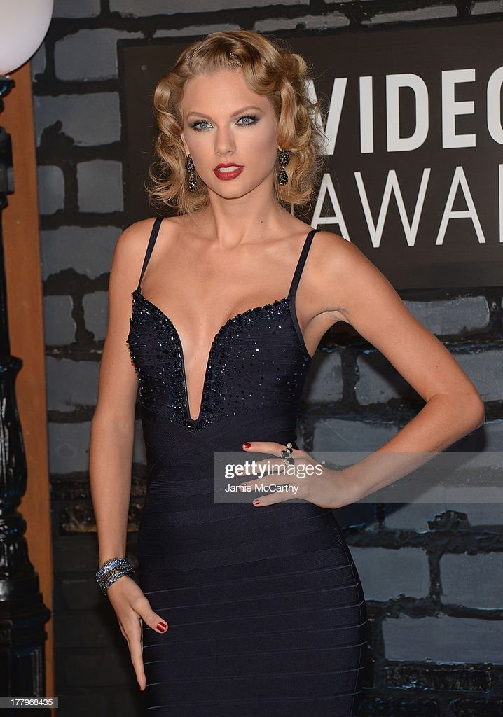 Taylor Swift attends the 2013 MTV Video Music Awards at the Barclays Center on August 25, 2013 in the Brooklyn borough of New York City.