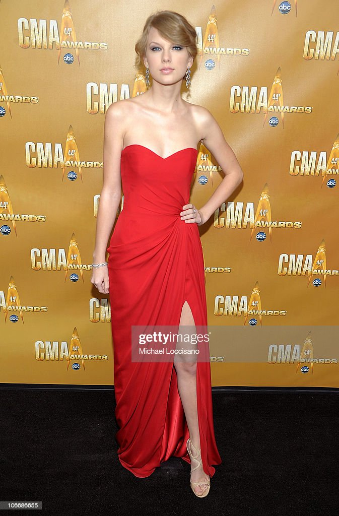<a gi-track='captionPersonalityLinkClicked' href=/galleries/search?phrase=Taylor+Swift&family=editorial&specificpeople=619504 ng-click='$event.stopPropagation()'>Taylor Swift</a> attends the 44th Annual CMA Awards at the Bridgestone Arena on November 10, 2010 in Nashville, Tennessee.