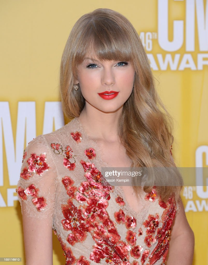 <a gi-track='captionPersonalityLinkClicked' href=/galleries/search?phrase=Taylor+Swift&family=editorial&specificpeople=619504 ng-click='$event.stopPropagation()'>Taylor Swift</a> attends the 46th annual CMA Awards at the Bridgestone Arena on November 1, 2012 in Nashville, Tennessee.
