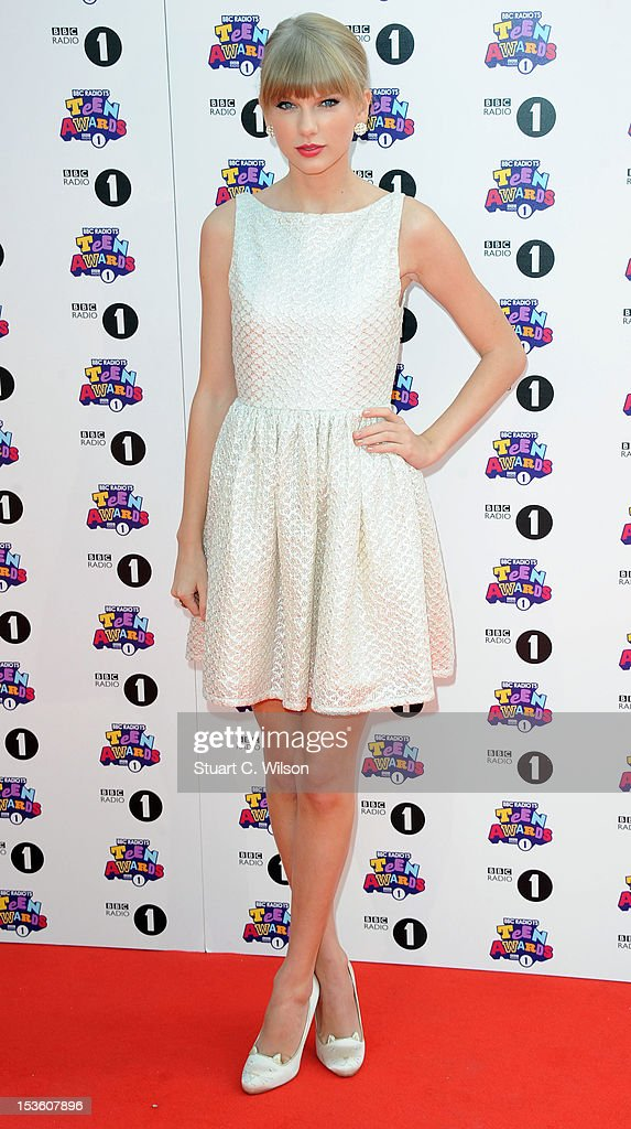 Taylor Swift attends the BBC Radio 1 Teen Awards on October 7, 2012 in London, England.