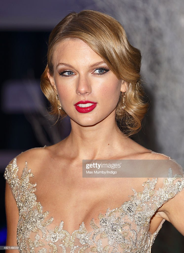 Taylor Swift attends the Centrepoint Winter Whites Gala at Kensington Palace on November 26, 2013 in London, England.
