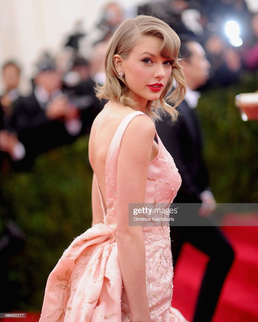 <a gi-track='captionPersonalityLinkClicked' href=/galleries/search?phrase=Taylor+Swift&family=editorial&specificpeople=619504 ng-click='$event.stopPropagation()'>Taylor Swift</a> attends the 'Charles James: Beyond Fashion' Costume Institute Gala at the Metropolitan Museum of Art on May 5, 2014 in New York City.