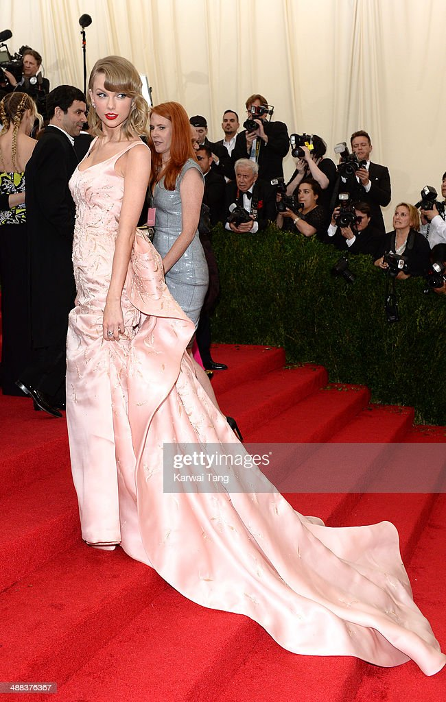 Taylor Swift attends the 'Charles James: Beyond Fashion' Costume Institute Gala held at the Metropolitan Museum of Art on May 5, 2014 in New York City.