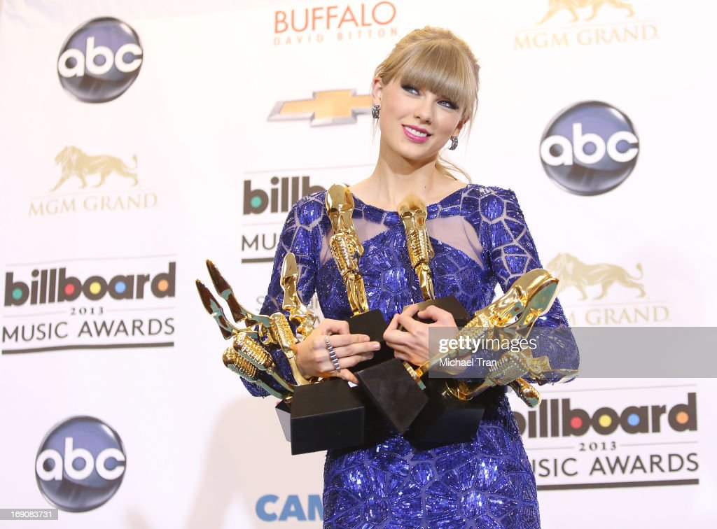 <a gi-track='captionPersonalityLinkClicked' href=/galleries/search?phrase=Taylor+Swift&family=editorial&specificpeople=619504 ng-click='$event.stopPropagation()'>Taylor Swift</a> attends the press room at the 2013 Billboard Music Awards held at MGM Grand Resort and Casino on May 19, 2013 in Las Vegas, Nevada.
