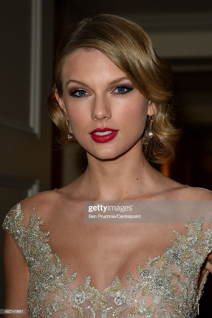 <a gi-track='captionPersonalityLinkClicked' href=/galleries/search?phrase=Taylor+Swift&family=editorial&specificpeople=619504 ng-click='$event.stopPropagation()'>Taylor Swift</a> attends the Winter White Gala In Aid Of Centrepoint on November 26, 2013 in London, England.