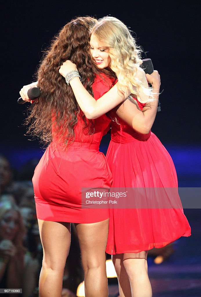 Taylor Swift (R) hugs Beyonce after she allowed her to finish her speech, that was cut short by Kanye West, after Beyonce won 'Best Video of the Year' during the 2009 MTV Video Music Awards at Radio City Music Hall on September 13, 2009 in New York City.