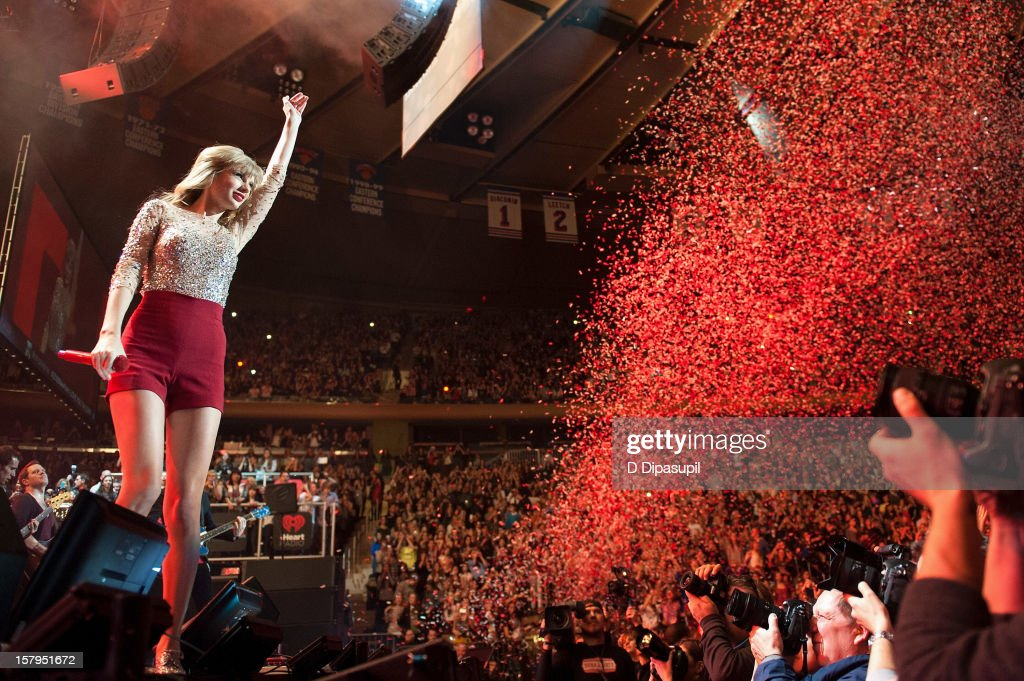 <a gi-track='captionPersonalityLinkClicked' href=/galleries/search?phrase=Taylor+Swift&family=editorial&specificpeople=619504 ng-click='$event.stopPropagation()'>Taylor Swift</a> performs during Z100's Jingle Ball 2012 presented by Aeropostale at Madison Square Garden on December 7, 2012 in New York City.