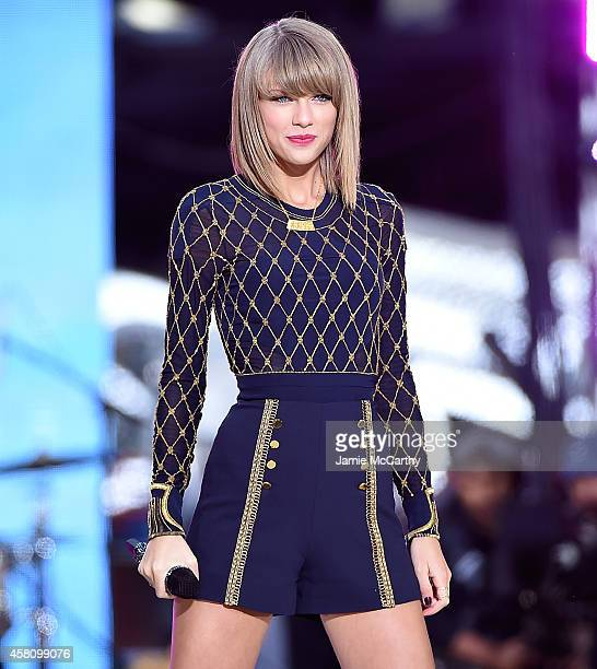 Taylor Swift Performs On ABC's 'Good Morning America' at Times Square on October 30 2014 in New York City