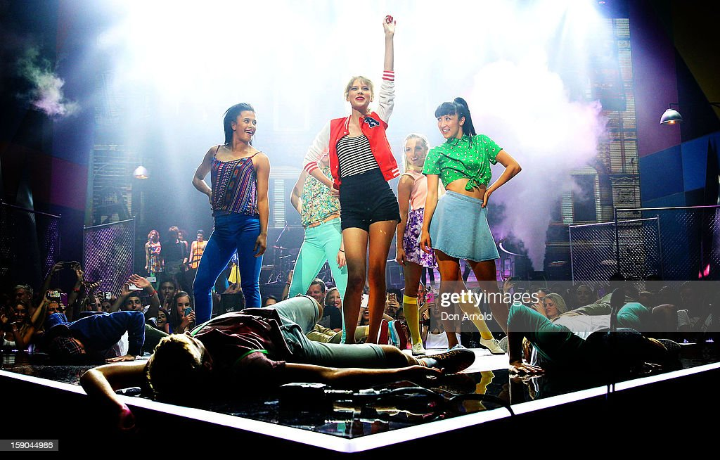 <a gi-track='captionPersonalityLinkClicked' href=/galleries/search?phrase=Taylor+Swift&family=editorial&specificpeople=619504 ng-click='$event.stopPropagation()'>Taylor Swift</a> performs on stage at the 26th Annual ARIA Awards 2012 at the Sydney Entertainment Centre on November 29, 2012 in Sydney, Australia.