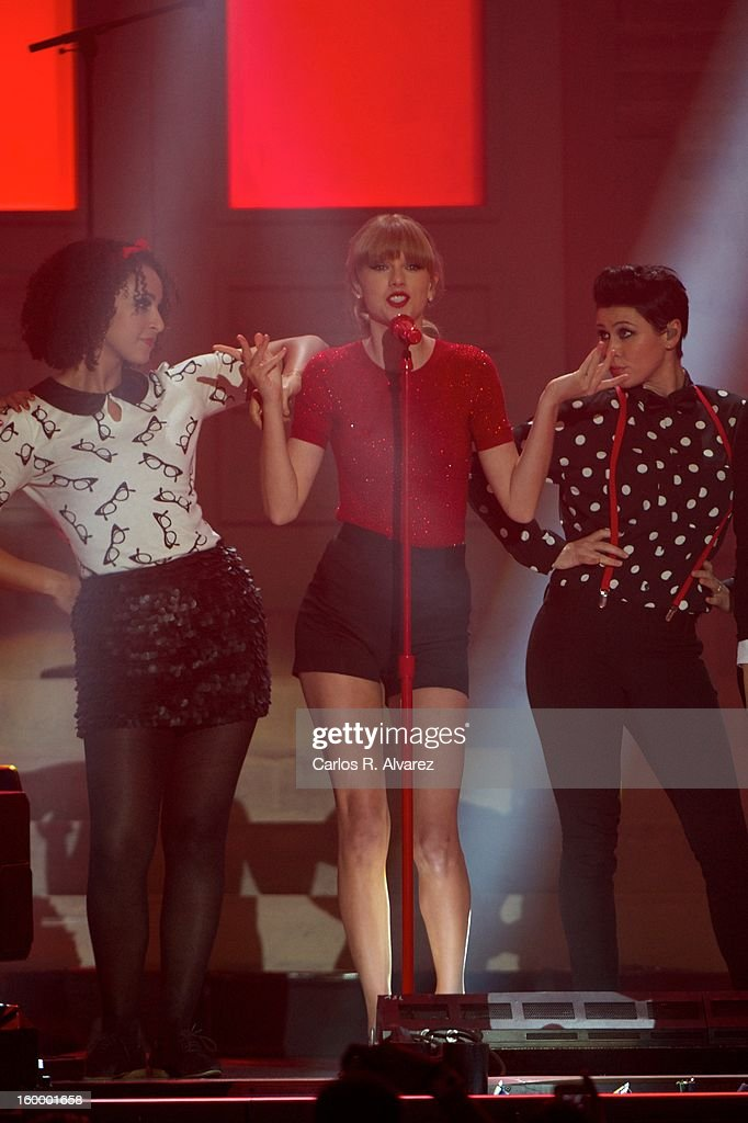 <a gi-track='captionPersonalityLinkClicked' href=/galleries/search?phrase=Taylor+Swift&family=editorial&specificpeople=619504 ng-click='$event.stopPropagation()'>Taylor Swift</a> performs on stage during '40 Principales Awards' 2012 at Palacio de los Deportes on January 24, 2013 in Madrid, Spain.