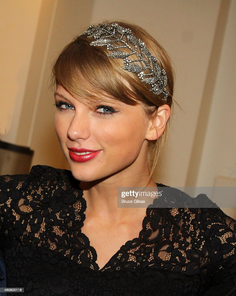 <a gi-track='captionPersonalityLinkClicked' href=/galleries/search?phrase=Taylor+Swift&family=editorial&specificpeople=619504 ng-click='$event.stopPropagation()'>Taylor Swift</a> poses backstage at the hit musical about Carole King's life 'Beautiful' on Broadway at The Stephen Sondheim Theater on December 22, 2014 in New York City.