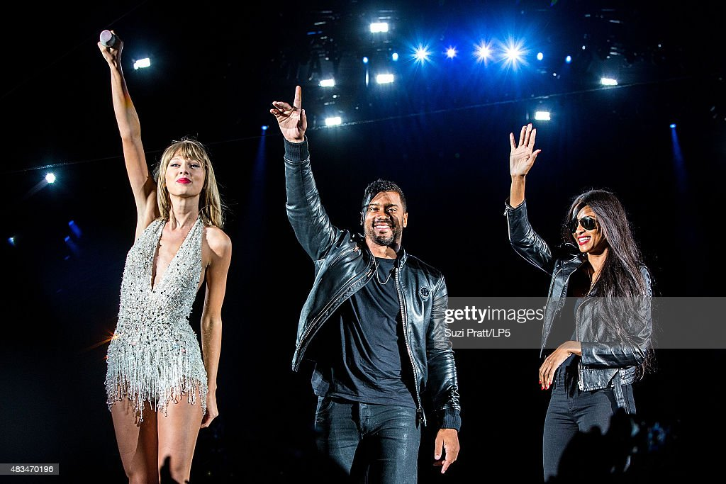 Taylor swift russell wilson and ciara perform at centurylink field on