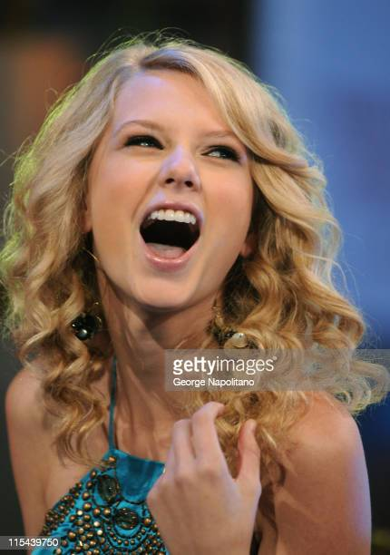 Taylor Swift visits MTV's 'TRL' on June 16 2008 at the MTV Studios in Times Square in New York