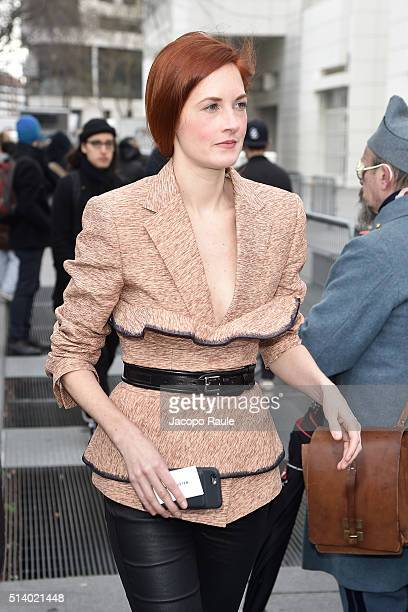 Taylor Tomasi Hill is seen arriving at Balenciga Fashion Show during Paris Fashion Week Womenswear Fall Winter 2016/2017 on March 6 2016 in Paris...