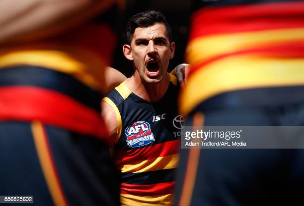Taylor Walker of the Crows addresses his teammates during the 2017 Toyota AFL Grand Final match between the Adelaide Crows and the Richmond Tigers at...