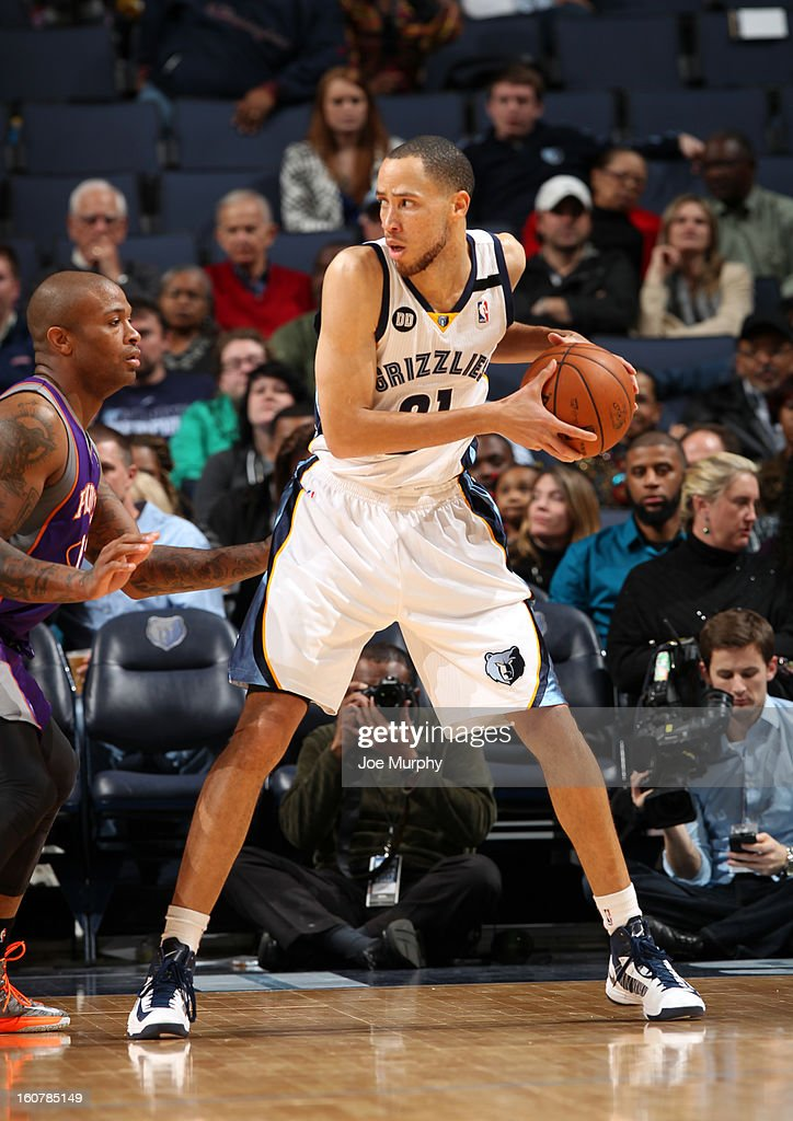 Tayshaun Prince #21 of the Memphis Grizzlies controls the ball against P.J. Tucker #17 of the Phoenix Suns on February 5, 2013 at FedExForum in Memphis, Tennessee.