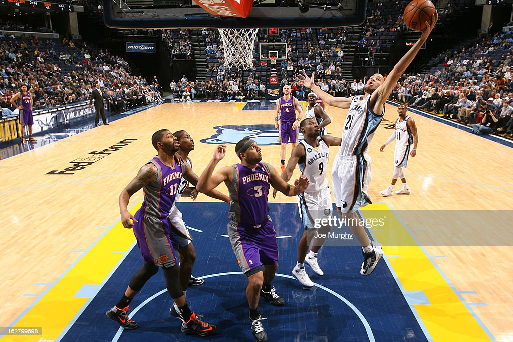 <a gi-track='captionPersonalityLinkClicked' href=/galleries/search?phrase=Tayshaun+Prince&family=editorial&specificpeople=201553 ng-click='$event.stopPropagation()'>Tayshaun Prince</a> #21 of the Memphis Grizzlies drives to the basket against the Phoenix Suns on February 5, 2013 at FedExForum in Memphis, Tennessee.