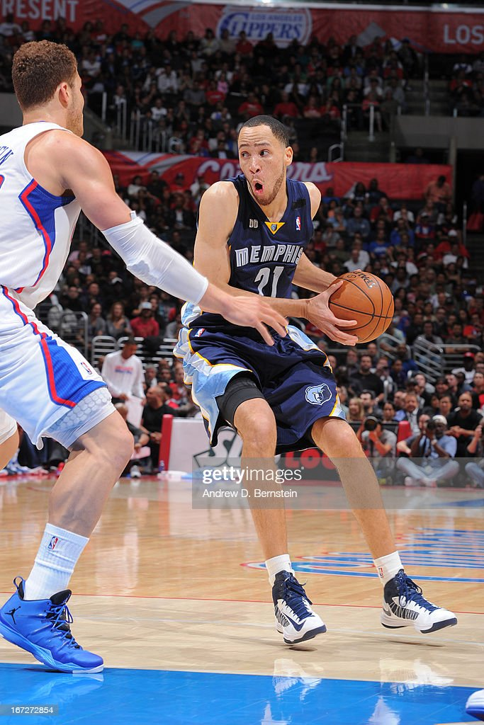 <a gi-track='captionPersonalityLinkClicked' href=/galleries/search?phrase=Tayshaun+Prince&family=editorial&specificpeople=201553 ng-click='$event.stopPropagation()'>Tayshaun Prince</a> #21 of the Memphis Grizzlies drives to the basket against the Los Angeles Clippers at Staples Center on March 13, 2013 in Los Angeles, California.