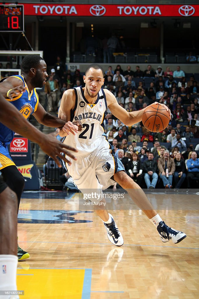 <a gi-track='captionPersonalityLinkClicked' href=/galleries/search?phrase=Tayshaun+Prince&family=editorial&specificpeople=201553 ng-click='$event.stopPropagation()'>Tayshaun Prince</a> #21 of the Memphis Grizzlies handles the ball against the Golden State Warriors on February 8, 2013 at FedExForum in Memphis, Tennessee.