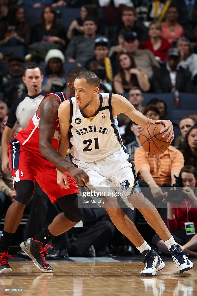 <a gi-track='captionPersonalityLinkClicked' href=/galleries/search?phrase=Tayshaun+Prince&family=editorial&specificpeople=201553 ng-click='$event.stopPropagation()'>Tayshaun Prince</a> #21 of the Memphis Grizzlies looks to drive to the basket against the Washington Wizards on February 1, 2013 at FedExForum in Memphis, Tennessee.