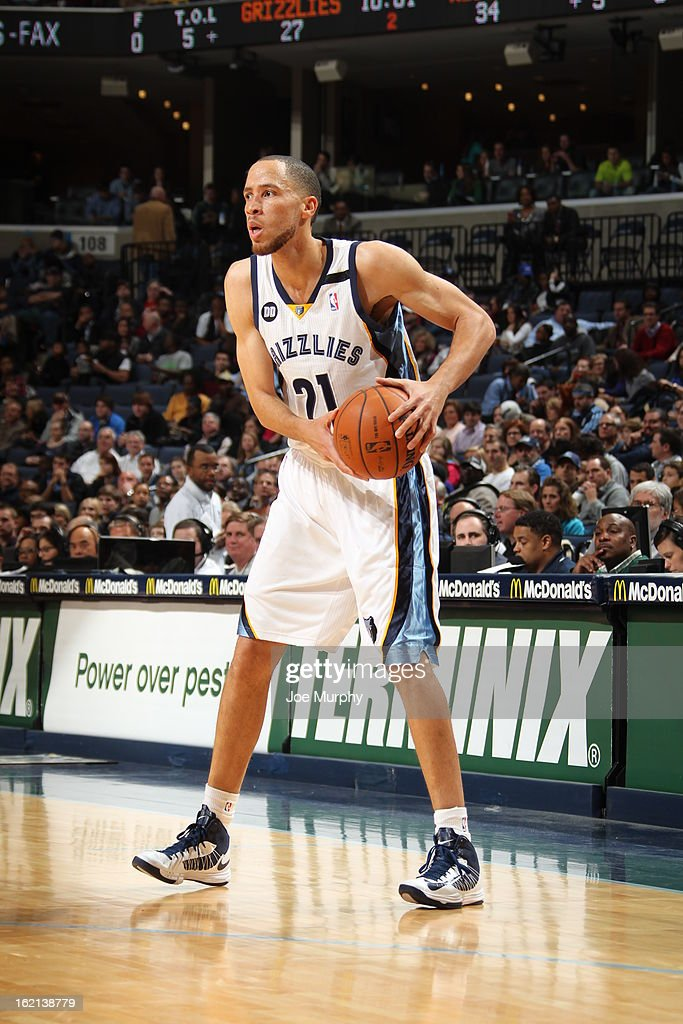 <a gi-track='captionPersonalityLinkClicked' href=/galleries/search?phrase=Tayshaun+Prince&family=editorial&specificpeople=201553 ng-click='$event.stopPropagation()'>Tayshaun Prince</a> #21 of the Memphis Grizzlies looks to pass the ball against the Washington Wizards on February 1, 2013 at FedExForum in Memphis, Tennessee.