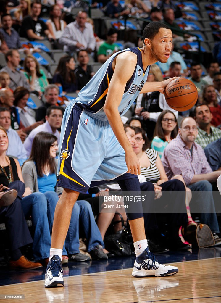 <a gi-track='captionPersonalityLinkClicked' href=/galleries/search?phrase=Tayshaun+Prince&family=editorial&specificpeople=201553 ng-click='$event.stopPropagation()'>Tayshaun Prince</a> #21 of the Memphis Grizzlies looks to pass the ball against the Dallas Mavericks on April 15, 2013 at the American Airlines Center in Dallas, Texas.