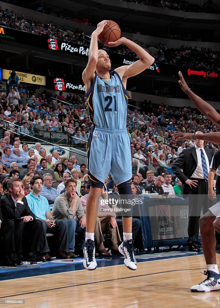 <a gi-track='captionPersonalityLinkClicked' href=/galleries/search?phrase=Tayshaun+Prince&family=editorial&specificpeople=201553 ng-click='$event.stopPropagation()'>Tayshaun Prince</a> #21 of the Memphis Grizzlies shoots the ball against the Dallas Mavericks on April 15, 2013 at the American Airlines Center in Dallas, Texas.