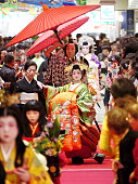 Tayu Japanese courtesans march on during the Sentei Festival on May 3 2015 in Shimonoseki Yamaguchi Japan The Tayu maching is the reproduction of the...