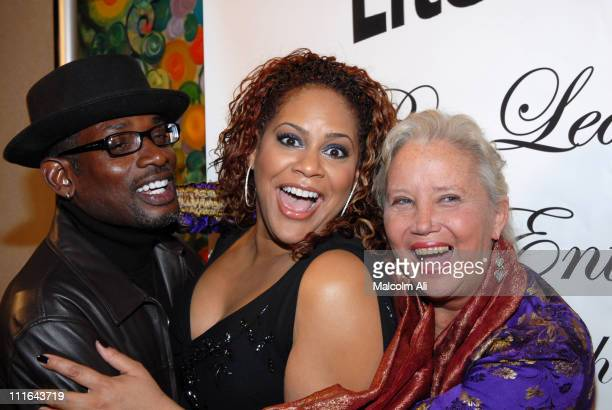 TCCarson Kim Coles and Sally Kirkland during Read To Succeed Literacy Gala at Renaissance Hollywood Hotel in Hollywood California United States