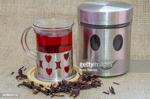 Tea and smiling tea pot : Foto de stock